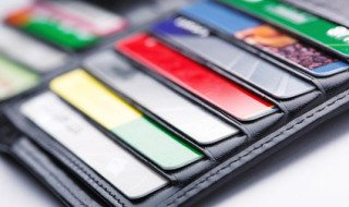 Benefits of Using a Credit Card Over a Debit Card